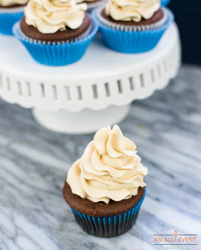 Cupcakes with Peanut Butter Frosting