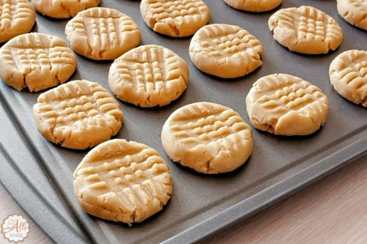 Holiday Cookies - Miracle Peanut Butter Cookies