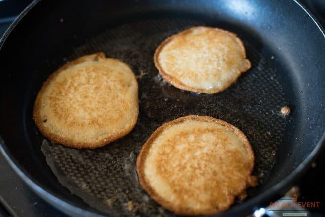 frying hoecakes in a pan
