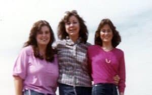 Here we are!  See how young she looked?  That's me, Jane & my sis, Melinda.