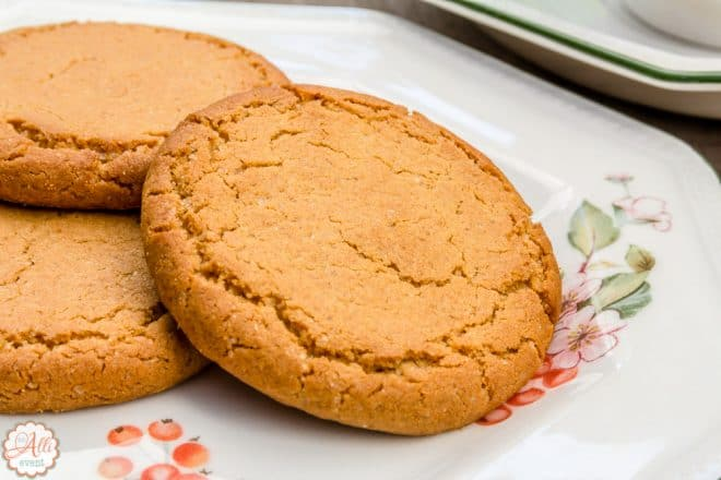 Gingersnap Cookies - Holiday Cookie Recipes