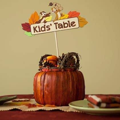 Kids' Table Thanksgiving Centerpiece