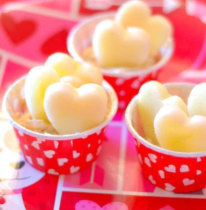 Honeycrisp Hearts with Taffy Apple Dip
