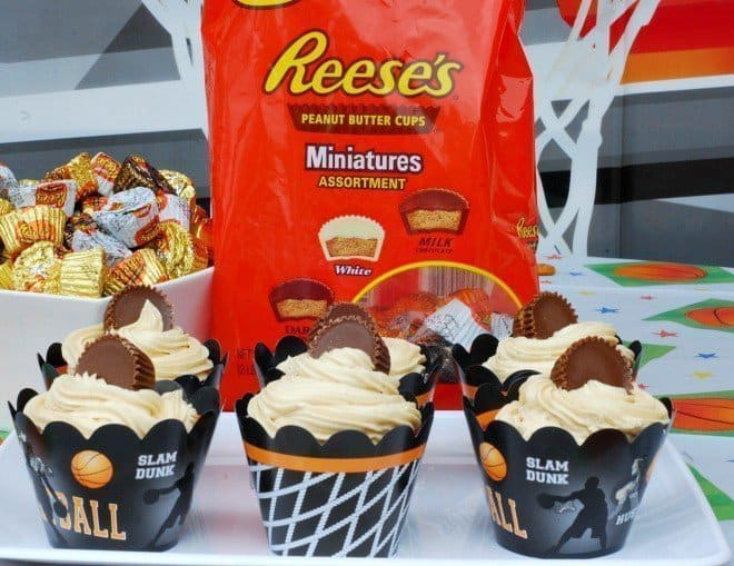 REESE'S Cream Cheese Brownie Cupcakes