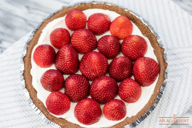 Top cream cheese mixture with strawberries