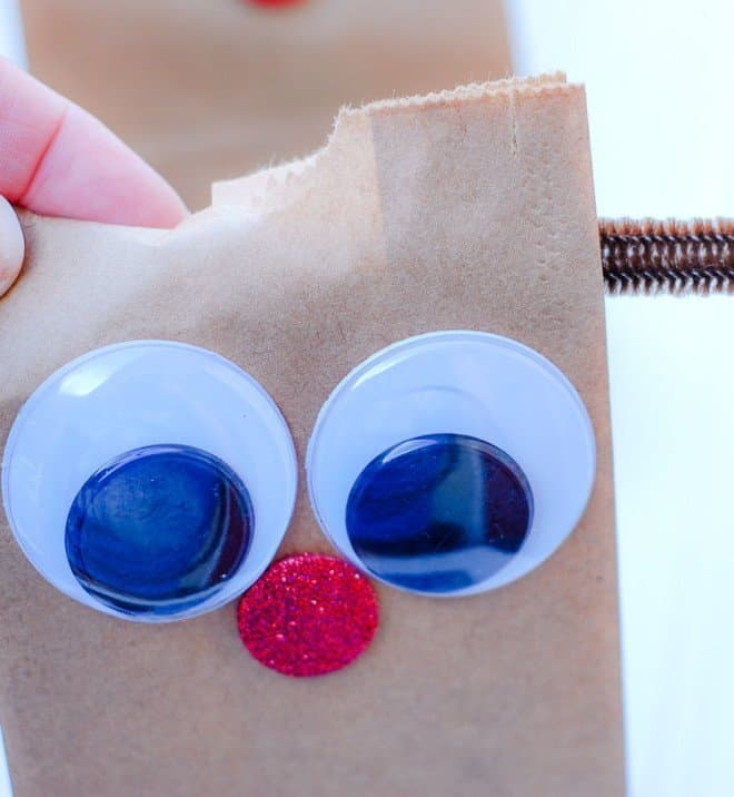 How to Make DIY Reindeer Treat Bags