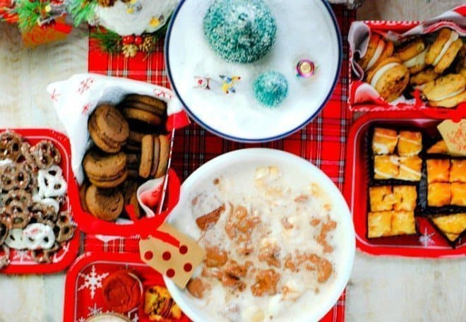 Cookie Exchange Party featuring free printables, easy DIY centerpiece and lots of great ideas!