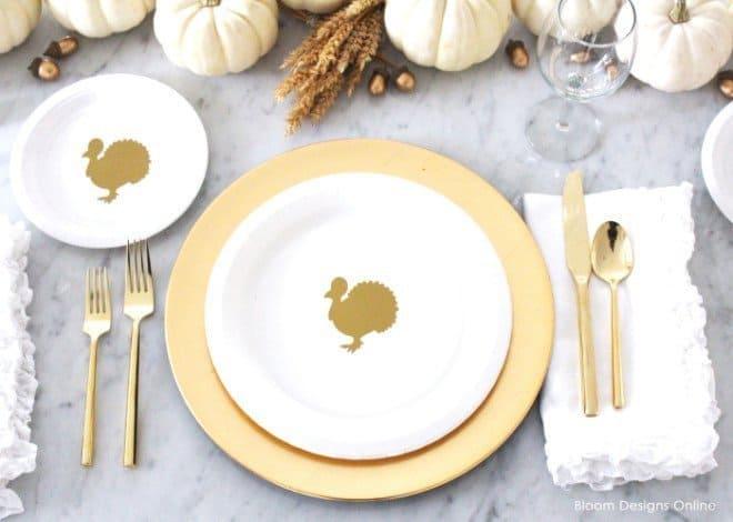 Thanksgiving Turkey Plates - DIY Sunday Showcase