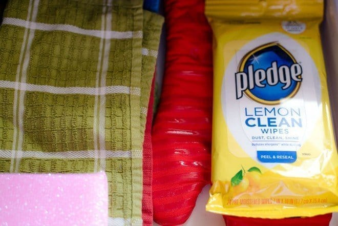 Pledge Lemon Clean Wipes - 5 Ways to Clean Your Kitchen With Lemons