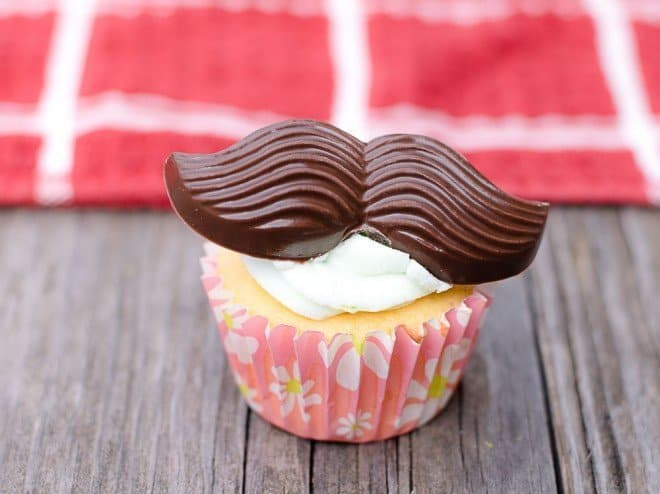 Cupcakes with Mustaches