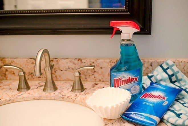 How to Clean your Bathroom in Under 20 Minutes
