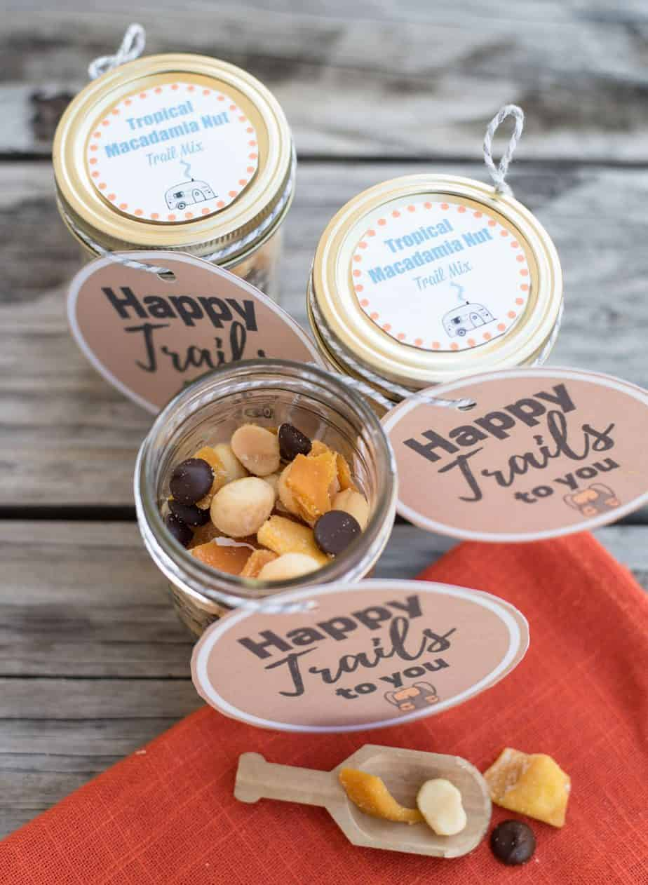 How to Make Tropical Macadamia Nut Trail Mix - An Alli Event