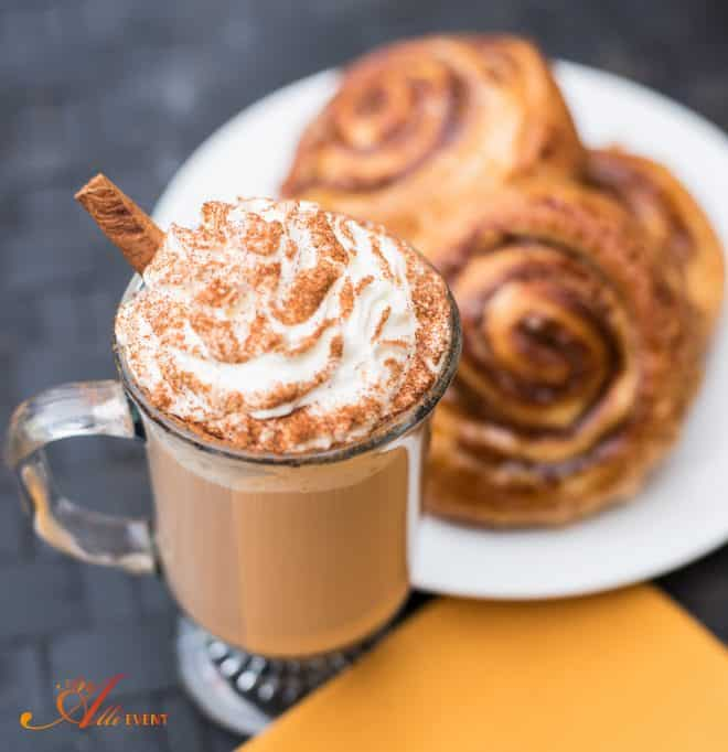 25 Copycat Starbucks Coffee Recipes Salted Caramel Cinnamon Roll Latte