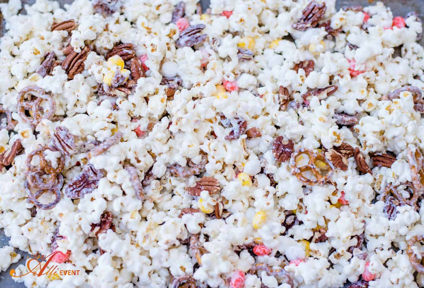 Salty, Sweet and Crunchy White Chocolate Popcorn - An Alli Event