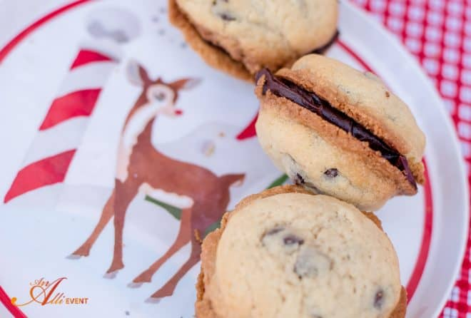 Holiday Cookies - Chocolate Chip Cookies