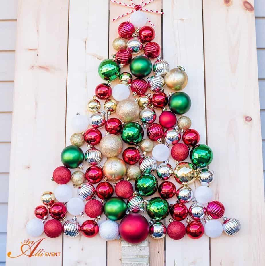Diy holiday ornament christmas tree display an alli event for Holiday christmas ornaments