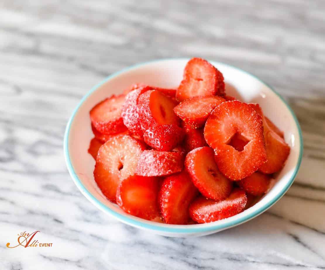 Strawberry Pound Cake With Frozen Strawberries