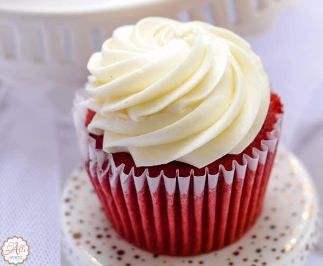 Amazing Red Velvet Cupcakes