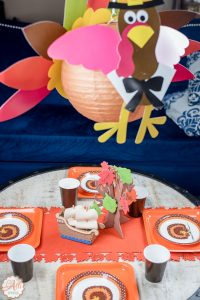 Adorable Thanksgiving Kids Table