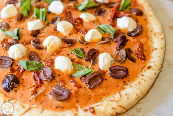 Sundried Tomato and Mozzarella Pizza