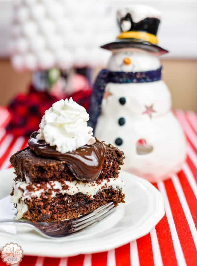 How to Make Whoopie Pie Cake