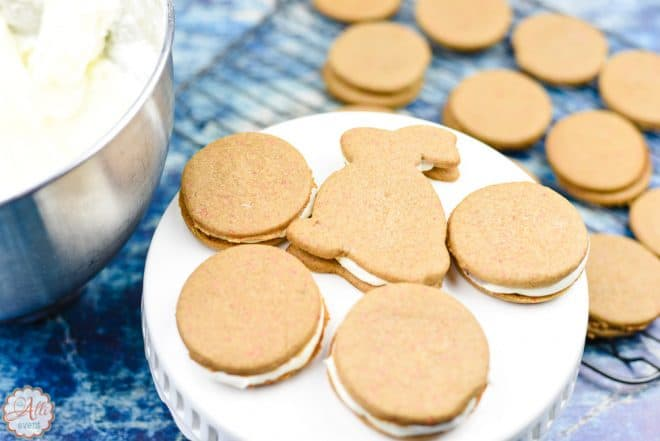 How to Make Easy Carrot Cake Sandwich Cookies