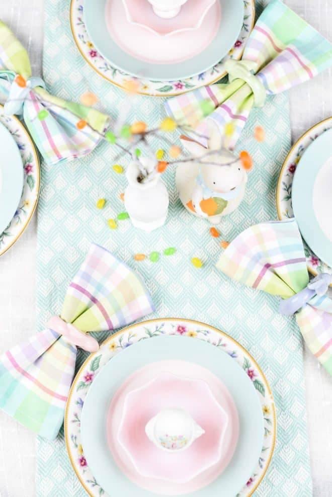 Easy Pastel Spring Tablescape