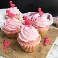 Flamingo Cupcakes and Hello Summer Party Ideas