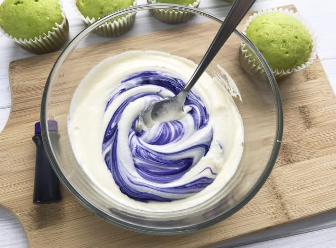 Incredible Hulk Cupcakes - Frosting
