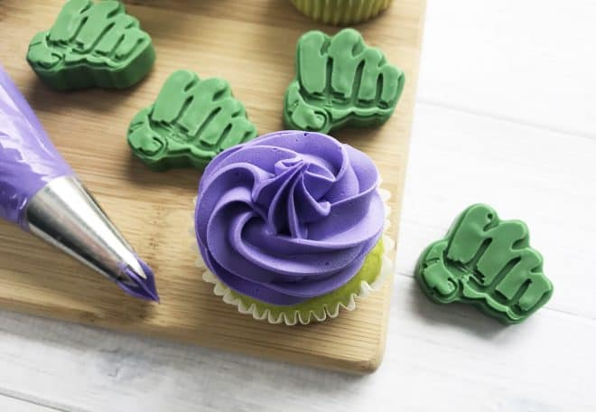 How to Frost Incredible Hulk Cupcakes