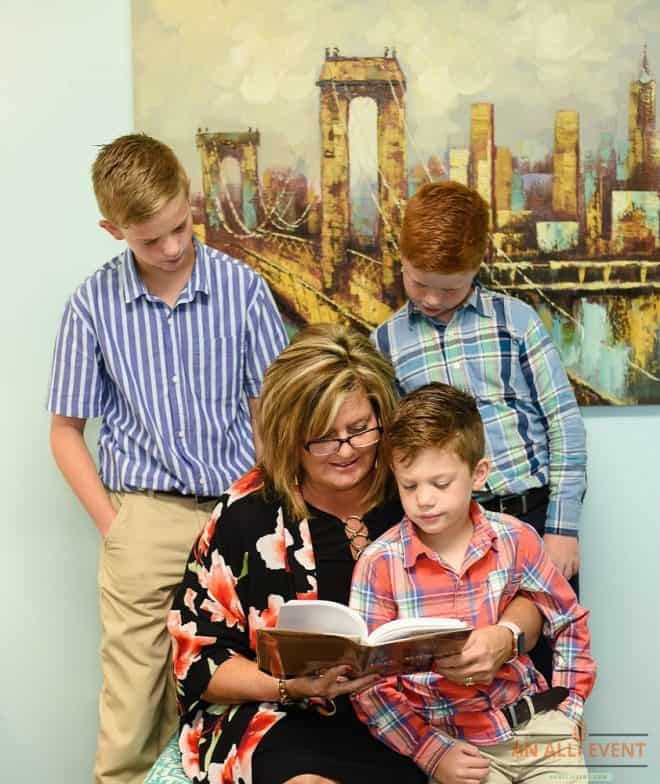 Reading With the Grandkids - How to Care for Aging Parents