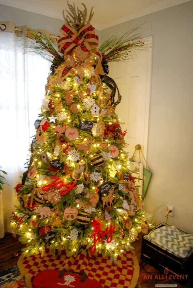 Beautiful Christmas Tree Decorating Ideas - An Alli Event