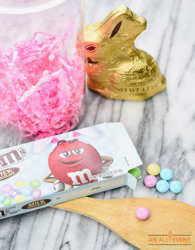 Items to make Easy Easter Bunny Mason Jar Gifts