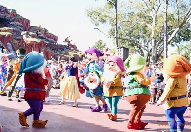 Snow White and the 7 Dwarfs - Magic Kingdom