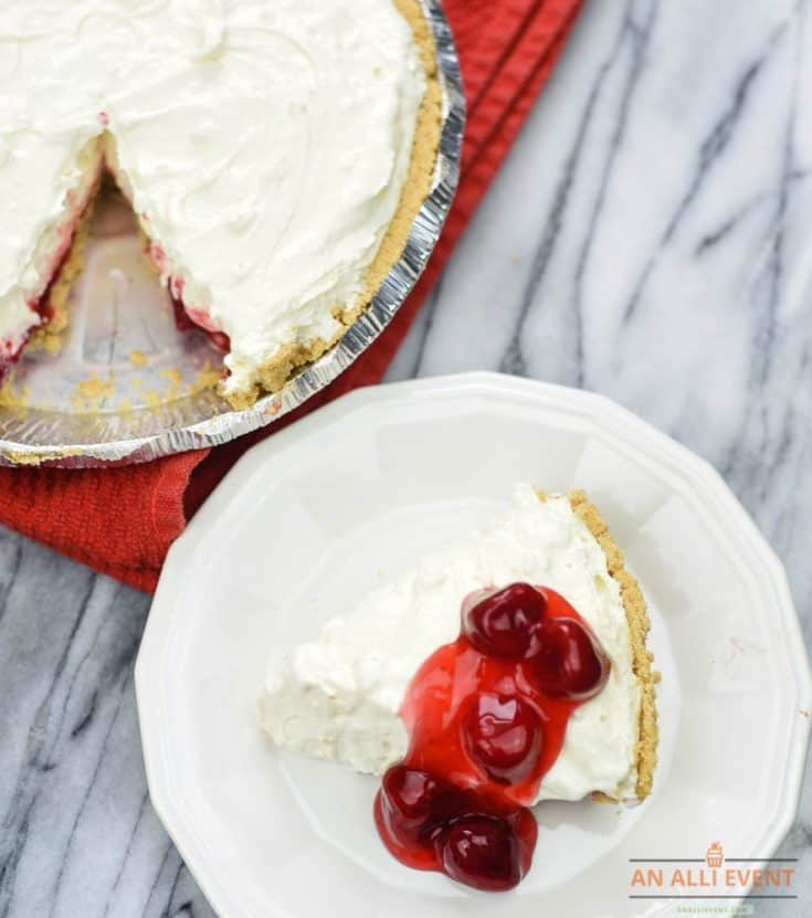 Strawberry Cheesecake Pie is Pretty and Delicious