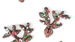 Chocolate Covered Pretzel Reindeer