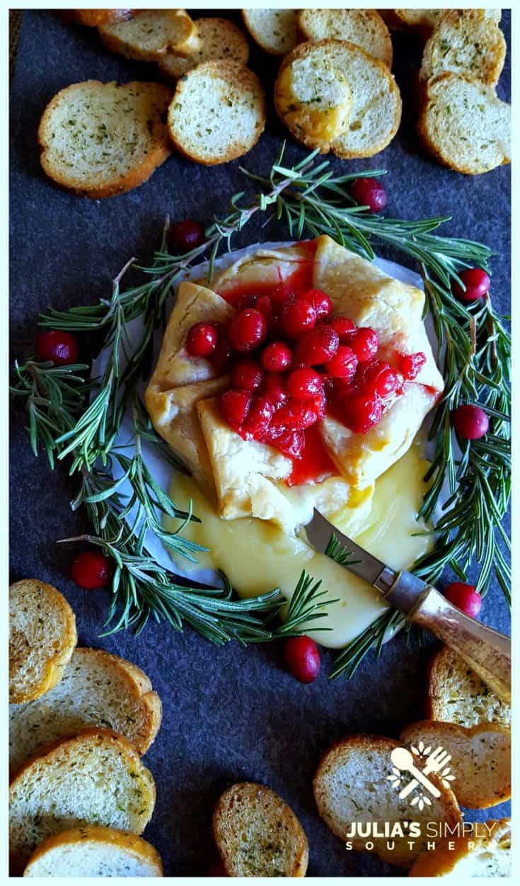 Holiday Brie en Croûte