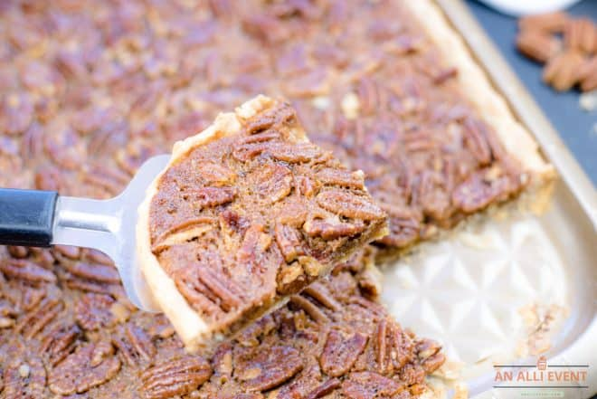 sheet-pan-pecan-pie-slice