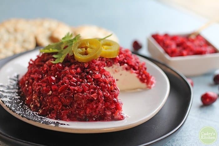Cranberry salsa with cream cheese (Vegan)