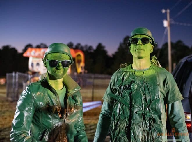 Green-Army-Men-trunk-or-treat