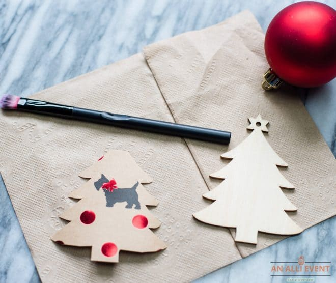 DIY Christmas Tree Ornament - Cut out wrapping paper and wooden tree ornament
