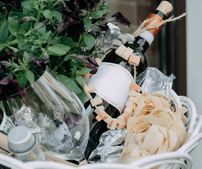 Honeymoon Gift Basket Ideas Filled With flowers, champagne