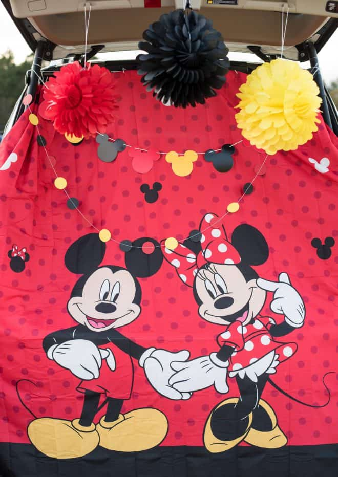 Minnie and Mickey trunk or treat backdrop